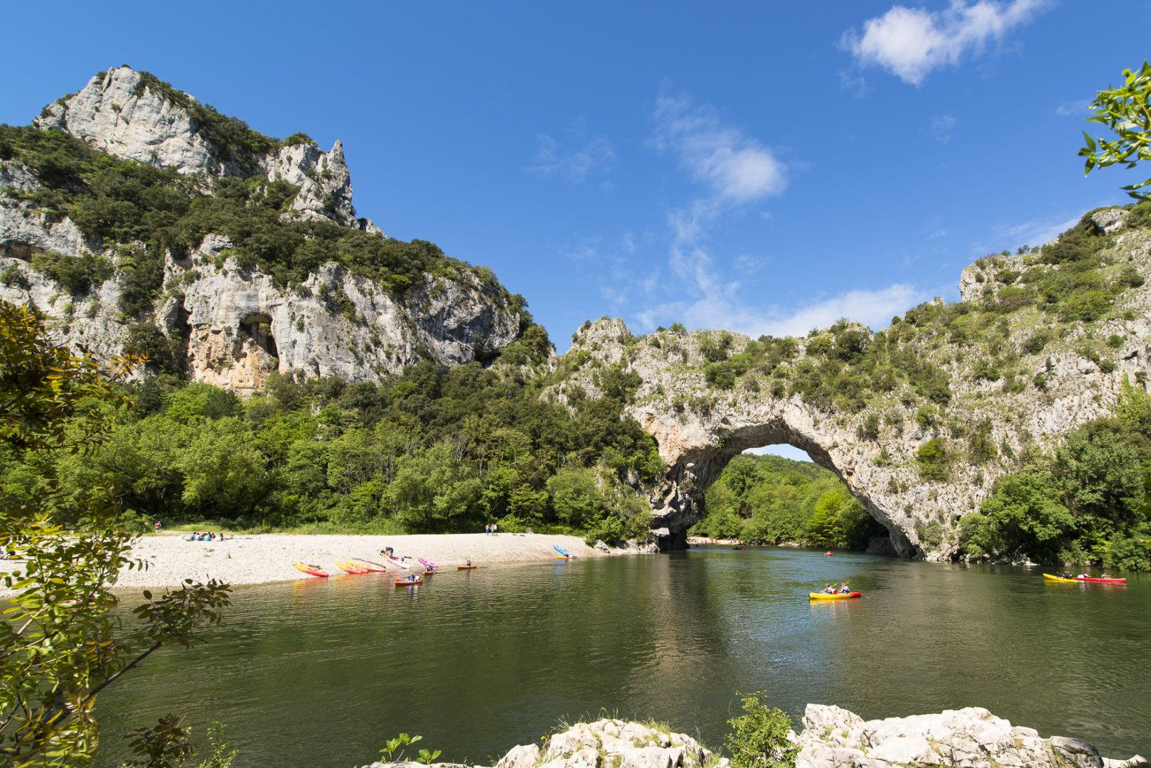 Pont d'Arc : Patrimoine Naturel en Ardèche Vallon-Pont-d'Arc   Ardeche-Guide