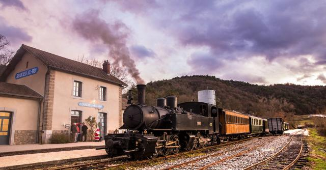 Train des Crèches au Train de l'Ardèche