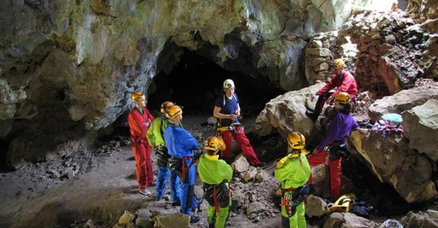 Histoires de grottes avec les Guides Spéléo d'Ardèche