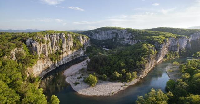 Visite guidée des gorges du Chassezac en canoë