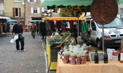 Laureline Fusade - marché saint cirgues en montagne