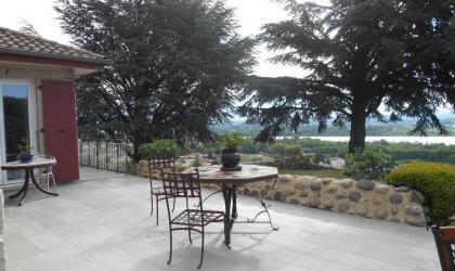 Bienvenue à Bellevue, chambres d'hôtes à Beauchastel en Ardèche !