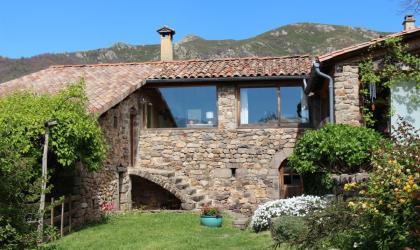 Gîtes de France - La maison vue du jardin