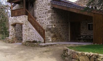© Domaine du Pray d'Aunay - Le gîte d'étape vu de l'extérieur