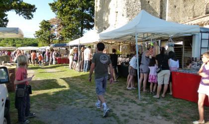 Office de Tourisme du Rhône aux Gorges de l'Ardèche - Marché, produits du terroir