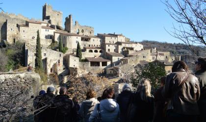 OTI DRAGA - Groupe devant le village