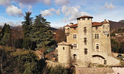 ©P.Demangeon ©Hugues Faure - Meyras - Château de Hautsegur ©P.Demangeon ©Hugues Faure(2)
