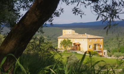 Gîtes de France - la maison d'hôte vue de l'oliveraie