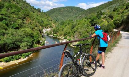 A.Renaud-Goud-ADT07 - Journée Vélo sur la Dolce Via_Autocars Palisse