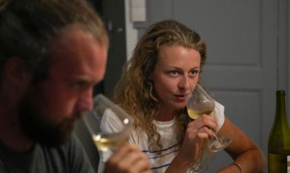 Rushproduction - Dégustation de vins blanc