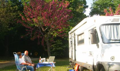 accueil de camping car en ard che r servation accueil de camping car ard che guide. Black Bedroom Furniture Sets. Home Design Ideas