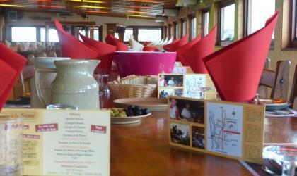 HT TOURISME - Salle de restaurant