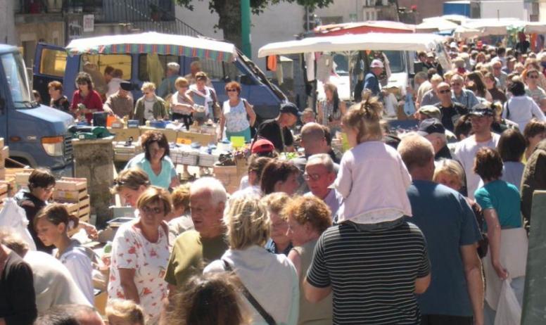 Marché hebdomadaire du mercredi à Coucouron