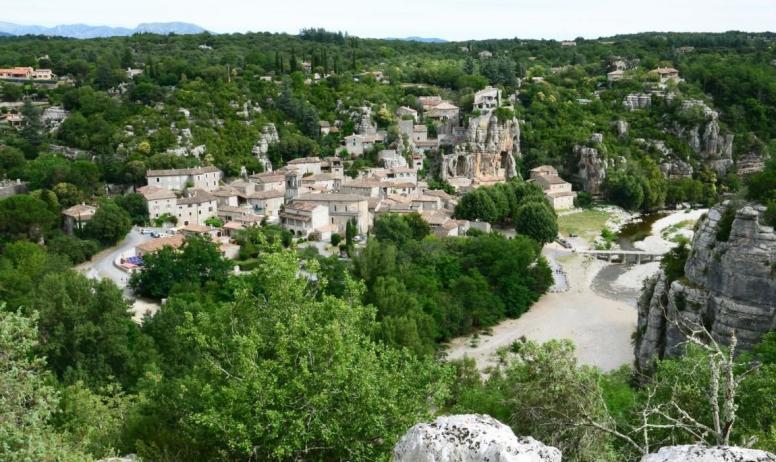 ©Onvisite.com - Labeaume depuis la falaise