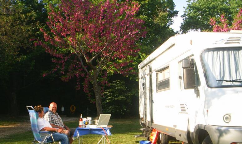 (c). J. Bayle - Ou venez avec votre camping car