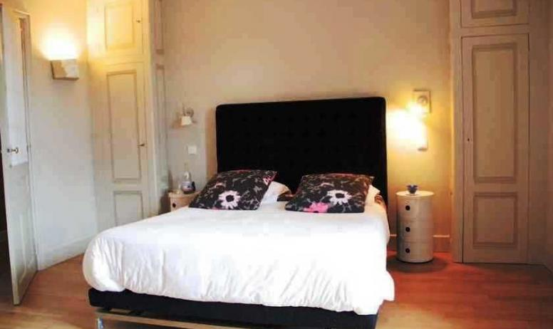 © La Villa des Charmilles - La chambre-suite (1er étage, côté parc)