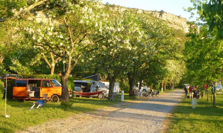 Véronique Richard - Camping La Turelure à Uzer, dans le Sud de l'Ardèche