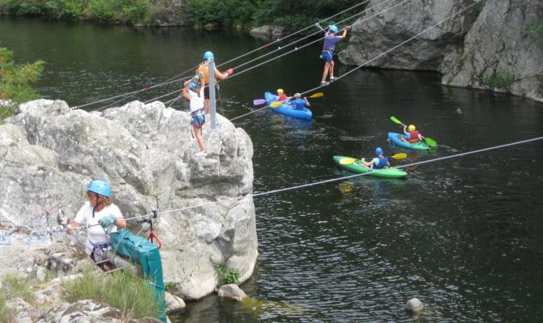 A chacun son activité en Vallée de l'Eyrieux : parcours aventure ou canoë ?