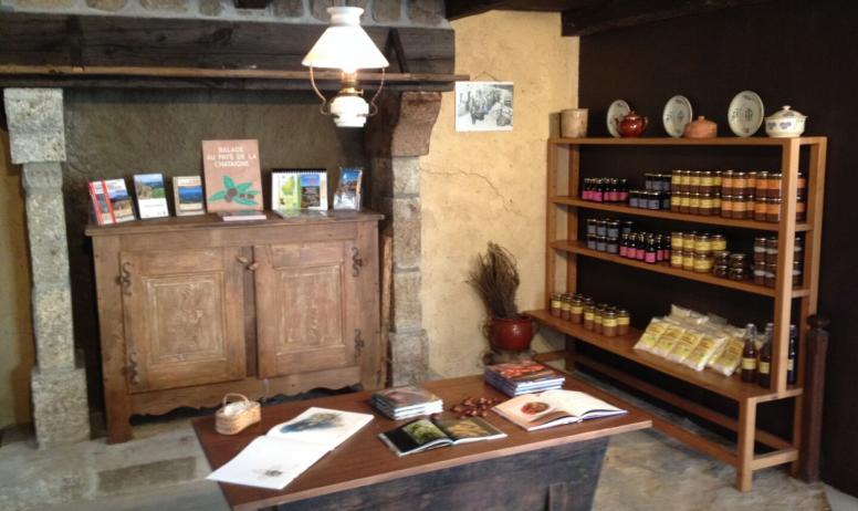 Ardèche Hautes Vallées - La Boutique de la Maison du châtaignier