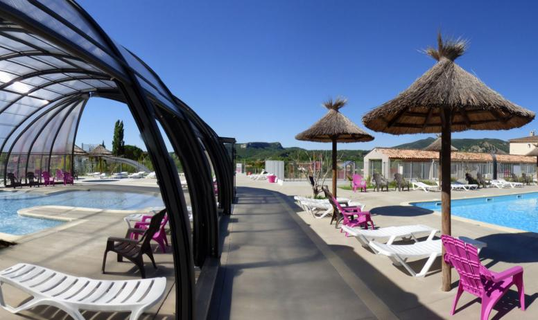 Camping l 39 esquiras campings en ard che 4 stars camping - Camping vallon pont d arc piscine ...