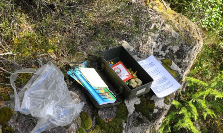 Ardèche Hermitage Tourisme - Exemple de boîte au lieu de la cache