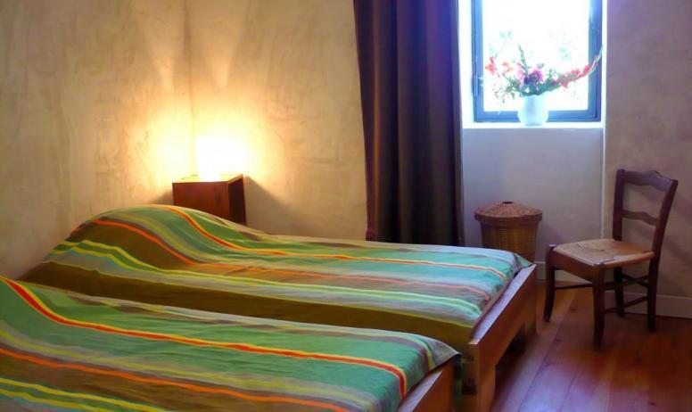 Gîtes de France - Vue de la chambre aux 2 lits en 90 cm X 190 cm au rez de chaussée