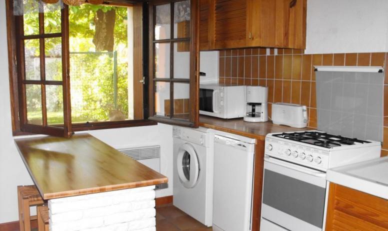 Gîtes de France - Dans la cuisine, vous entendez les oiseaux.
