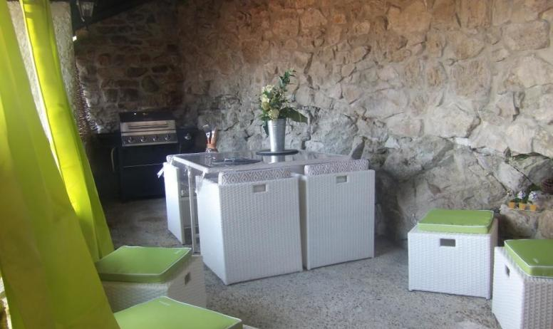 Gîtes de France - patio couvert