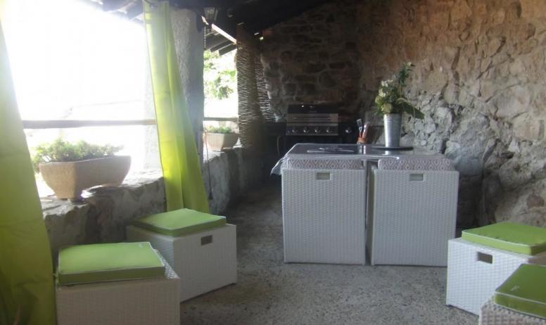 Gîtes de France - patio avec vue sur la montagne