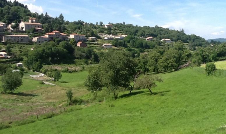 Gîtes de France - Autre vue du village de Chalencon