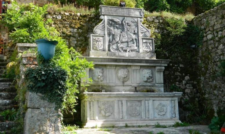 Gîtes de France - La fontaine du château