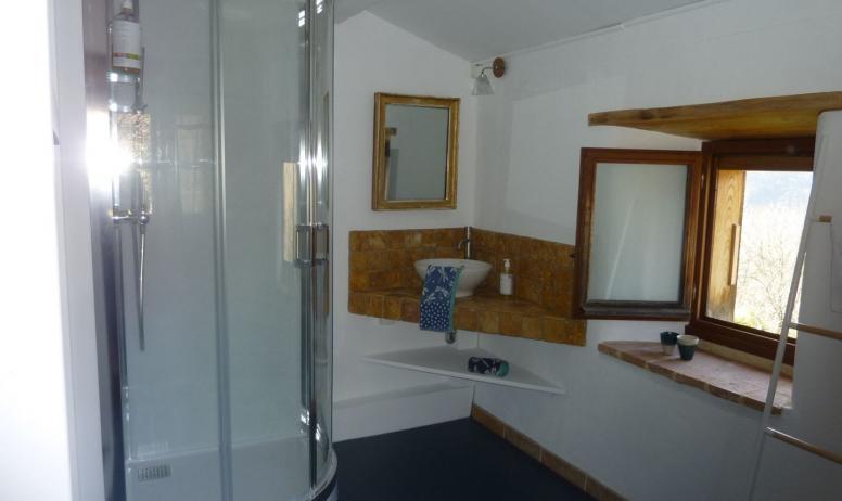 """Gîtes de France - salle de bain du """"Clédiou"""""""