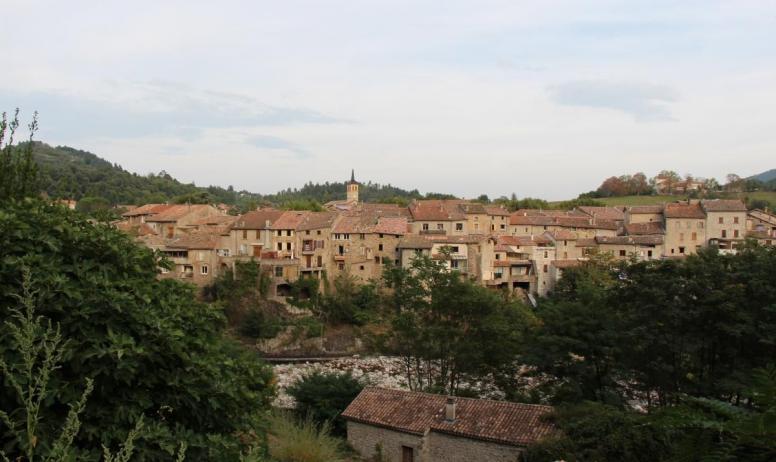 Gîtes de France - Jaujac, village de catactère...