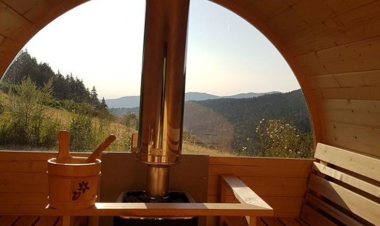 Gîtes de France - Intérieur du Sauna avec superbe vue