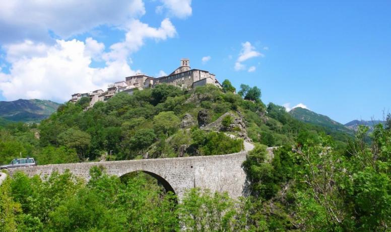 ©Onvisite.com - Le Pont sur la Volane