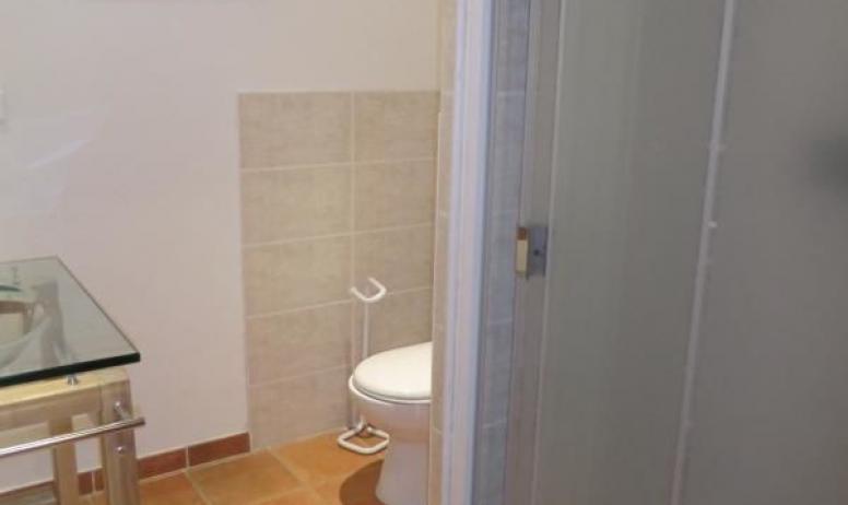 Gîtes de France - cabine douche.