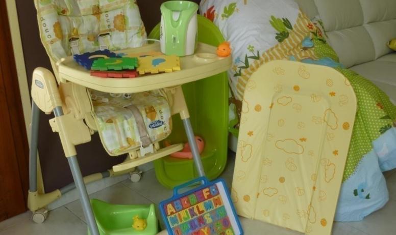 Gîtes de France - ne vous chargez pas tout le necessaire bebe est a votre disposition meme les jouets.