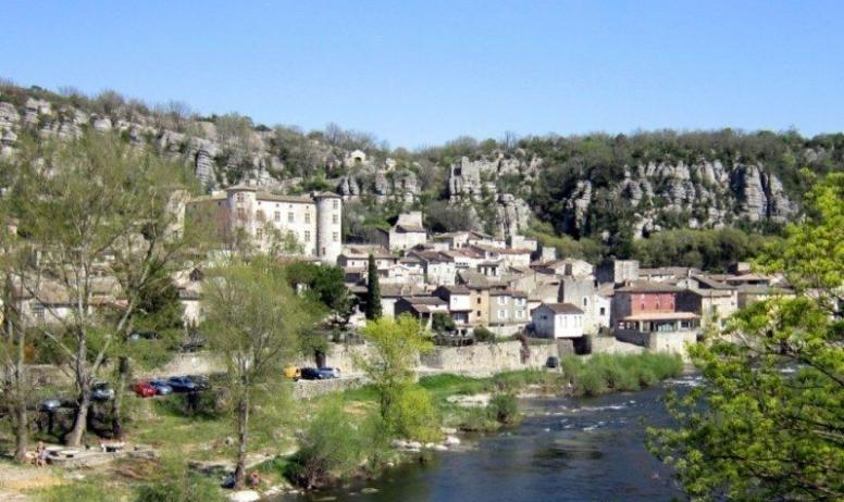 Gîtes de France - Ardèche vacances Village Vogüé