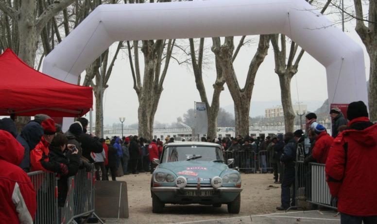 Blog Balade en St Joseph - Rallye Monte Carlo historique_Quai Farconnet_Tournon sur Rhône