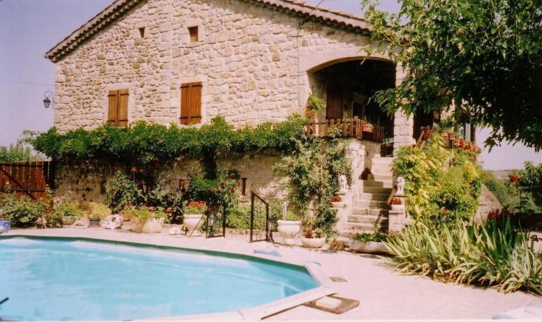 Gîtes de France - maison vue de la piscine