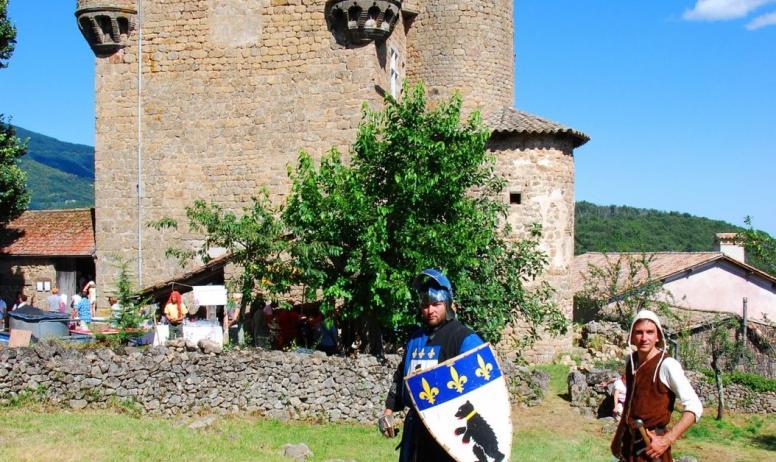 © On-visite.com-ADT07 - Château de Hautsegur - animation médiévale