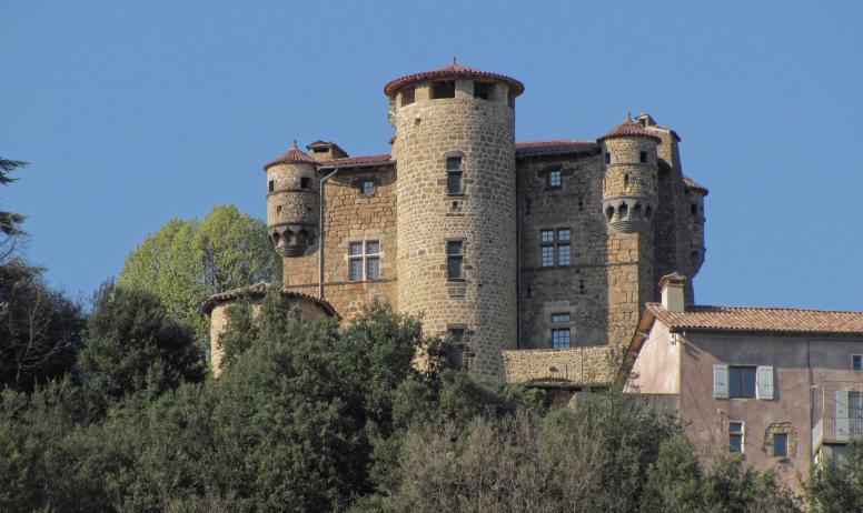 ©P.Demangeon - Château de Hautsegur - vue Sud