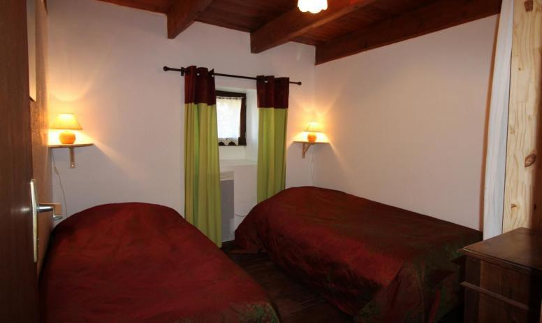 Gîtes de France - Chambre 2 avec 2 lits 1 personne