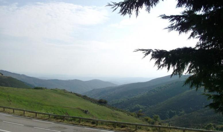 Gîtes de France - Vue panoramique sur la vallée