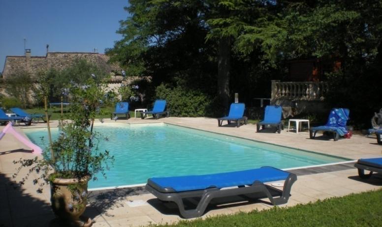 Gîtes de France - La piscine chauffée de 12mX6m
