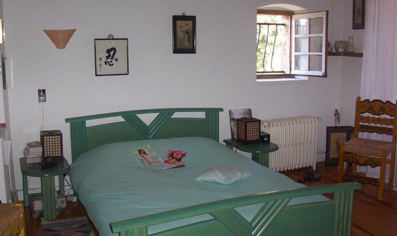 Clévacances - chambre verte grand gîte