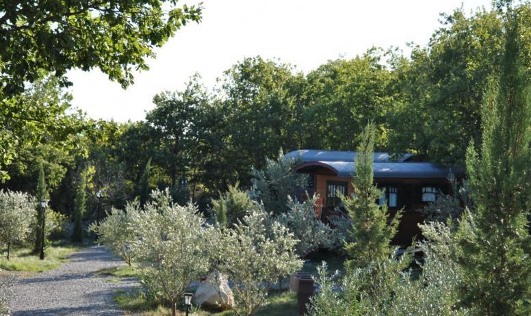Roulottes et Cabanes de Saint Cerice