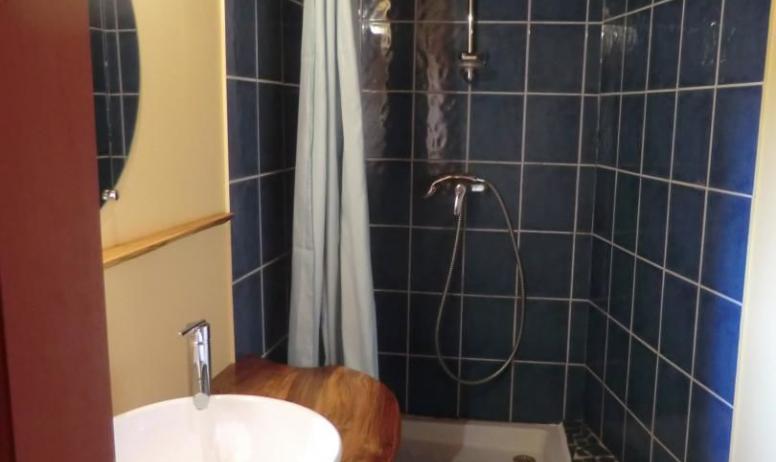 Gîtes de France - vue de la douche du bas de la partie Oratoire