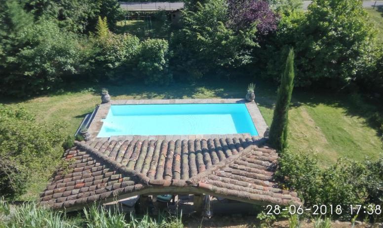 Gîtes de France - piscine commune du propriétaire