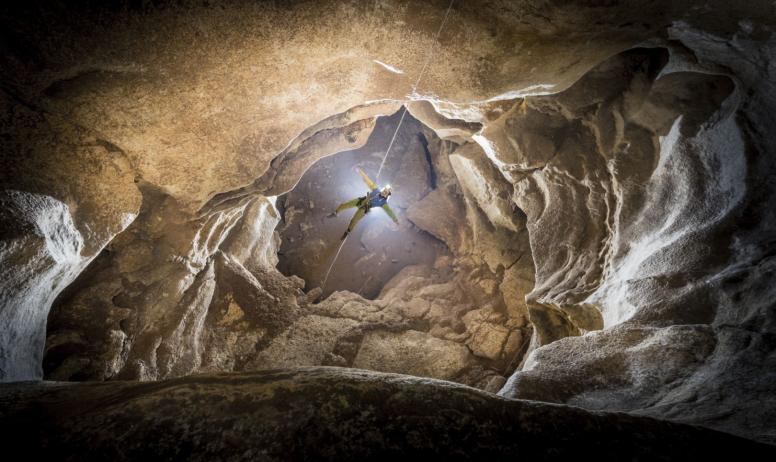Rémi Flament Photographie - Descente en rappel souterraine